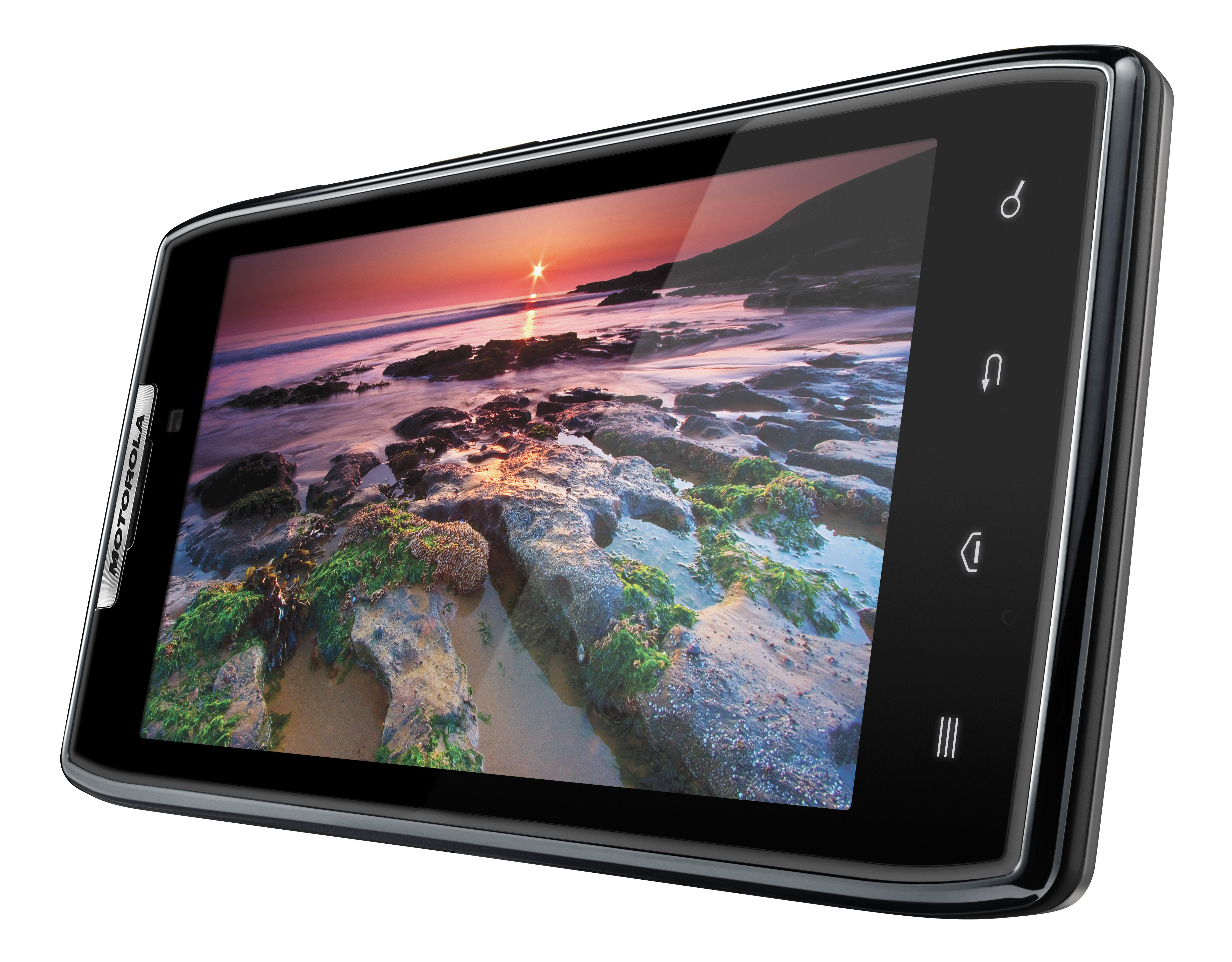 Motorola RAZR to get Android 4.0, plus more pics