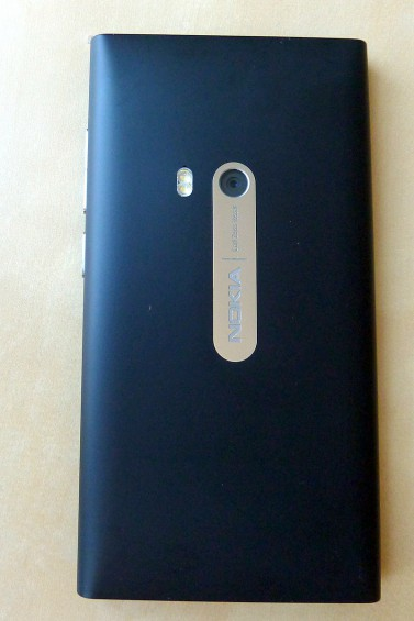 Nokia N9 back