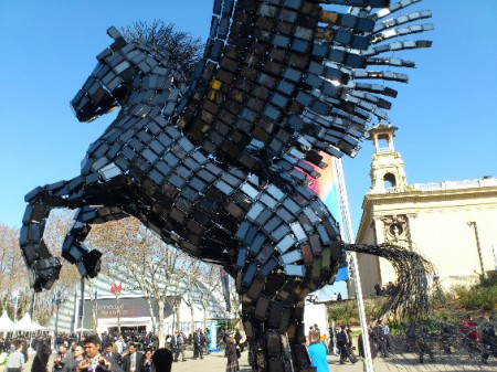 MWC   The flying horse of phones!