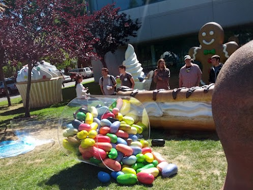Jelly Bean goes up on the Google lawn