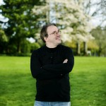 Linus Torvalds uses an Android phone