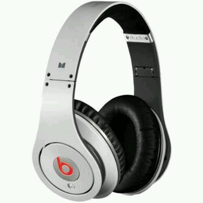 Beats grabs 25% back from HTC