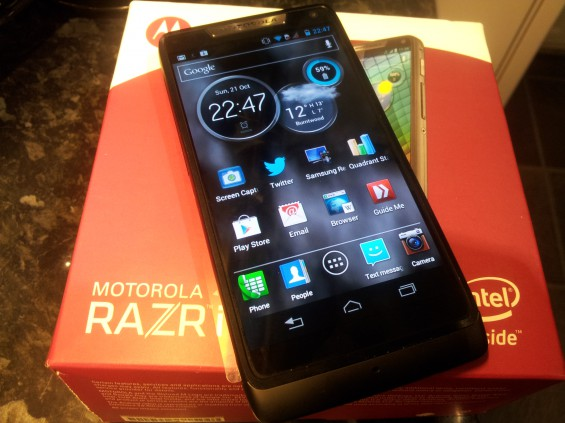 Motorola RAZR i   My review