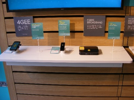 4G & EE   Now Open for business