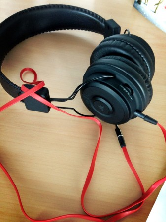 Review   Avantree Hive Wireless Bluetooth Stereo Headphones