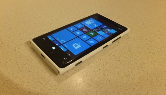 BARGAIN ALERT: Bag a Nokia Lumia 920 for cheap as chips......