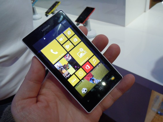 MWC   Nokia Lumia 520 hands on