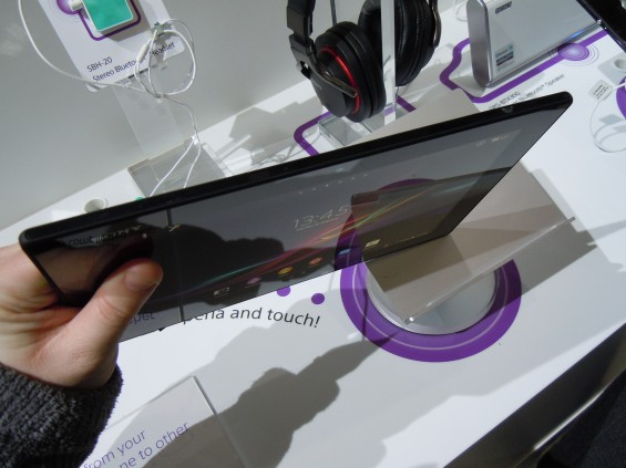 MWC   Sony Xperia Z Tablet hands on