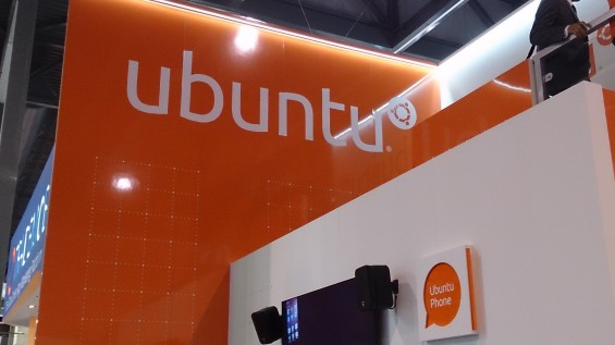 MWC   Ubuntu for phones, a demo