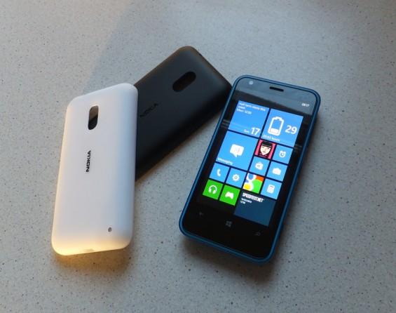 Nokia Lumia 620 21