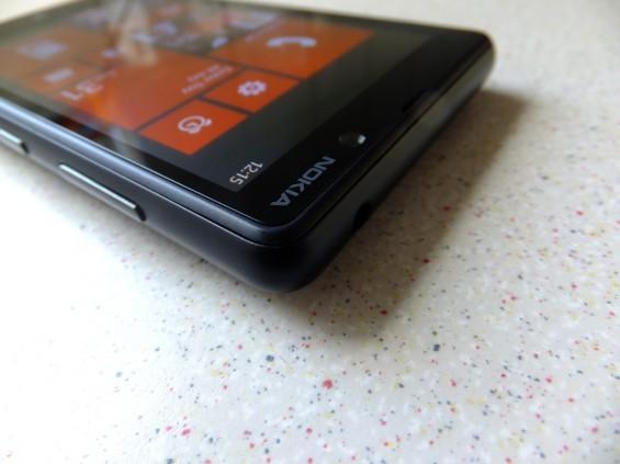 Nokia Lumia 820 pic3
