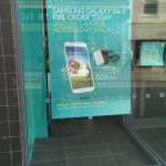 Pre-order the Samsung Galaxy S4 at EE and get some accessories