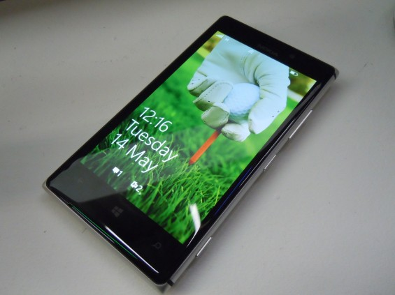 Nokia Lumia 925 availability update