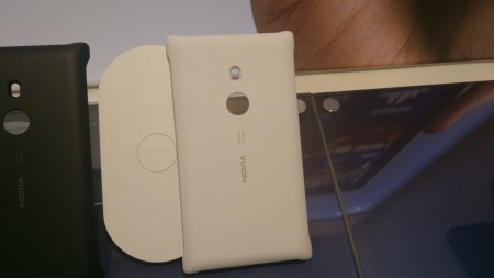 Nokia Lumia 925 Wireless charging shell review