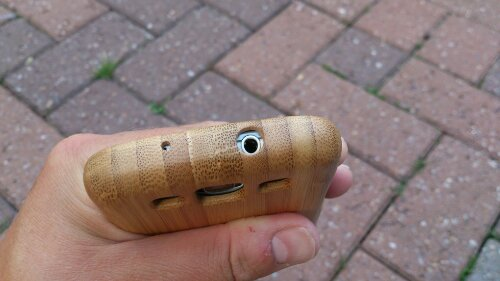 Review   The Snugg real bamboo wooden case