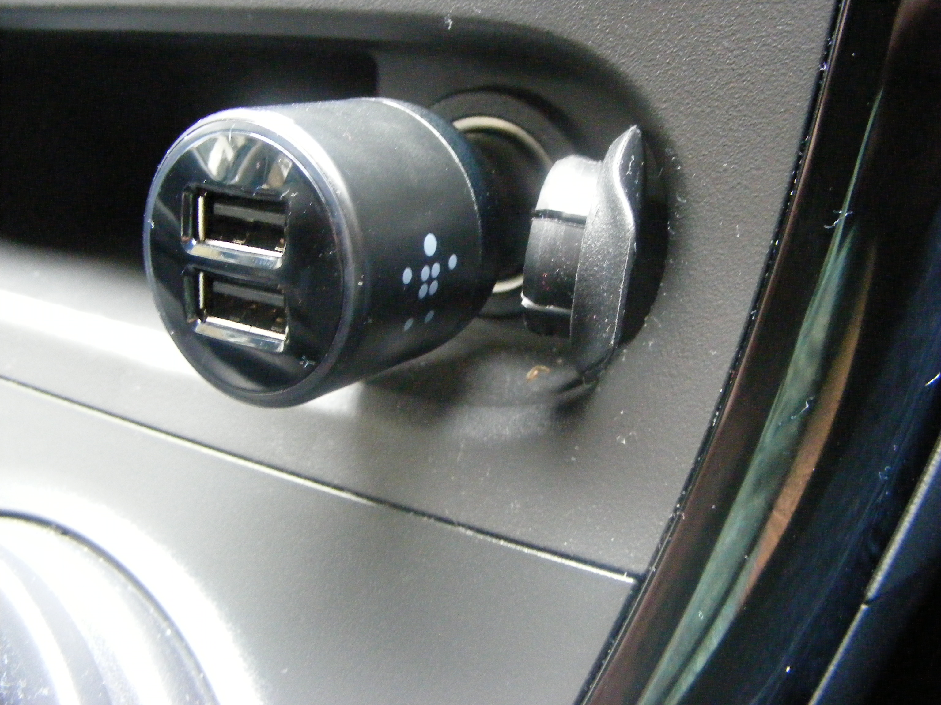 Car Key Battery >> Belkin 20 watt Dual USB Car Charger review - Coolsmartphone