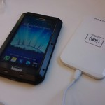 Suit of Armour Galaxy S4 and Goosewhite Qi charging pad review