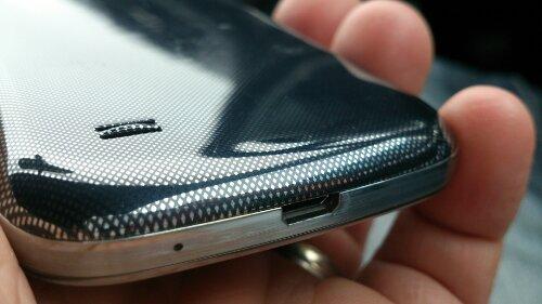 Samsung to unveil premium F range of handsets