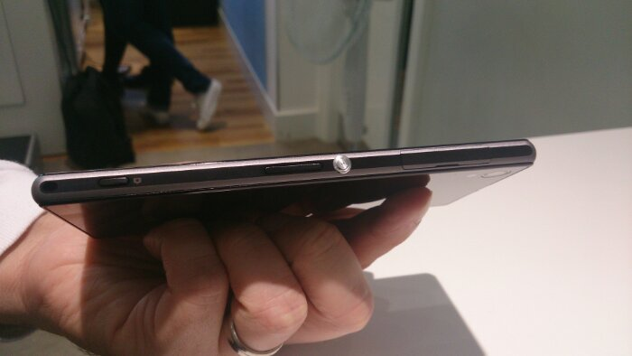 Sony announce the Xperia Z1