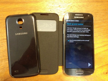 Official Samsung S View cover for Galaxy S4 mini   review