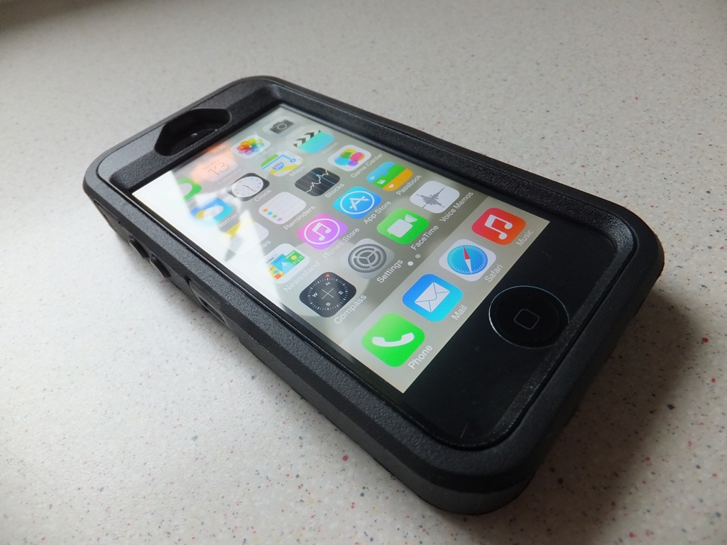 Otterbox Defender Iphone Se Review