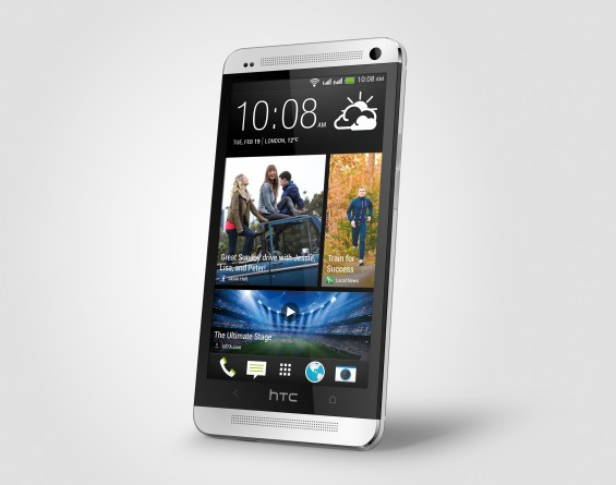 One Dual Sim silver Perspective Right HiRGB Render