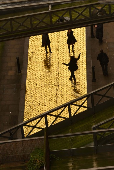 HTC PAVES THE STREETS WITH GOLD THIS CHRISTMAS