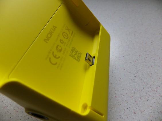 Nokia Lumia 1020 Camera Grip Pic7