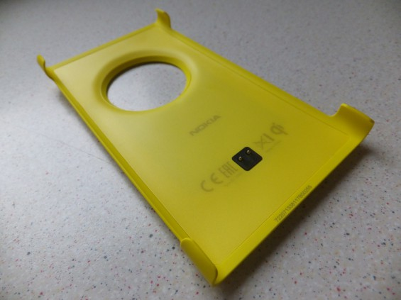 Nokia Lumia 1020 Wireless Charging Cover Pic2