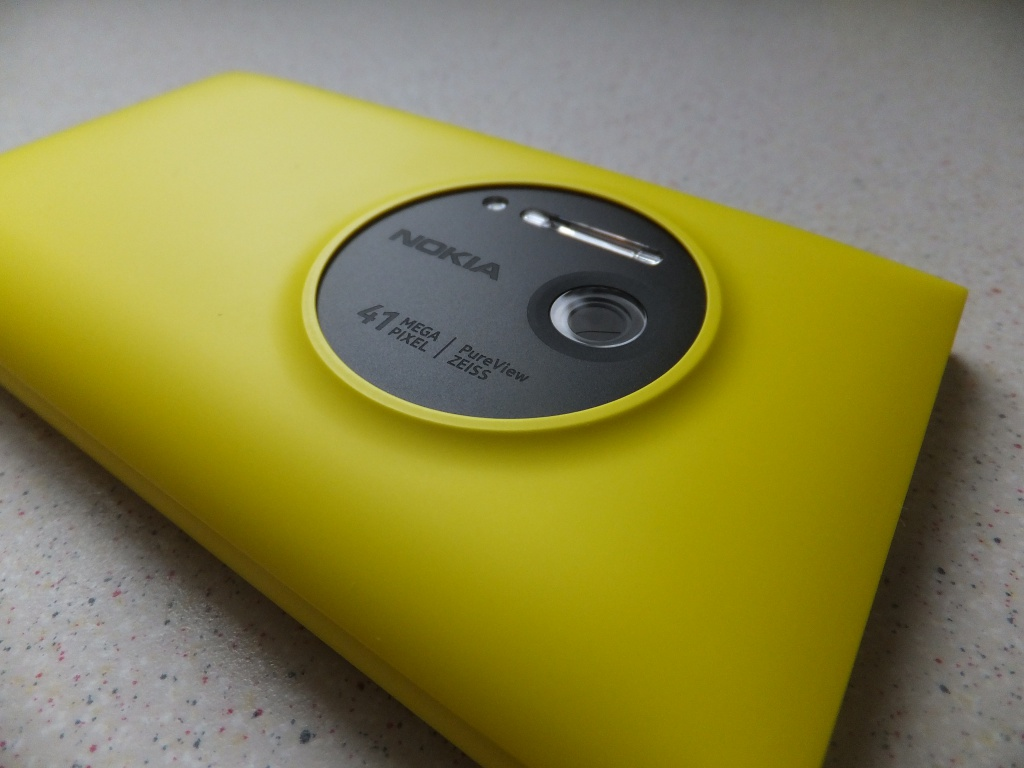 Nokia Lumia 1020 Wireless Charging Cover Pic6 Coolsmartphone