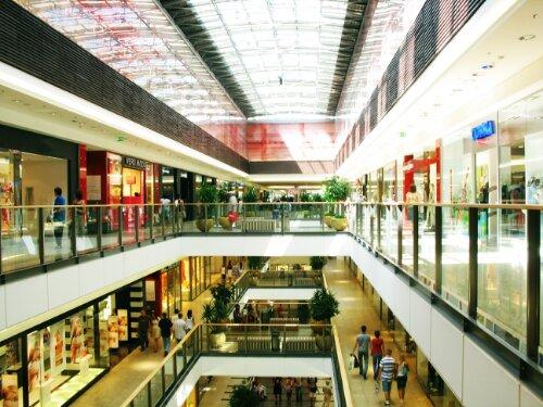 Shoppers seek spontaneous splurges