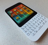 BlackBerry Q5 Pic3