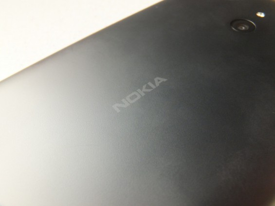 Nokia Lumia 1320 Pic4