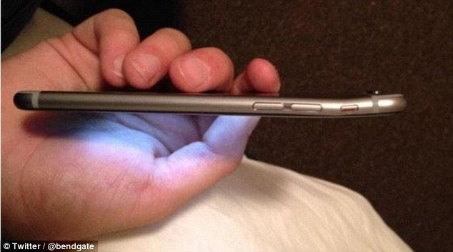 The iPhone 6 Plus   Now with added curves