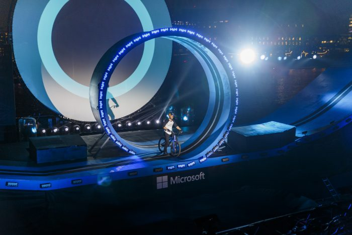 523772675TF005 Cortana Micr
