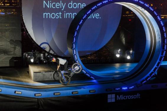 523772675TF006 Cortana Micr