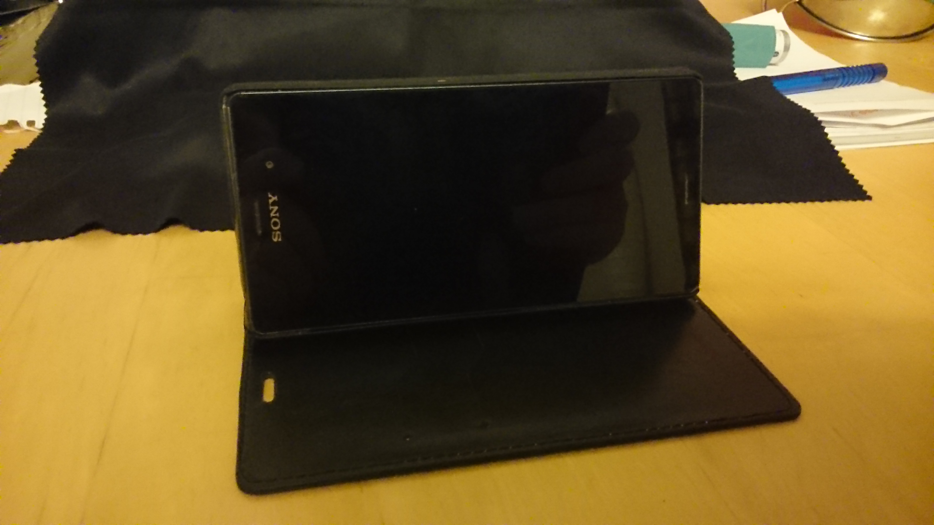 Encase Wallet review for Xperia Z3