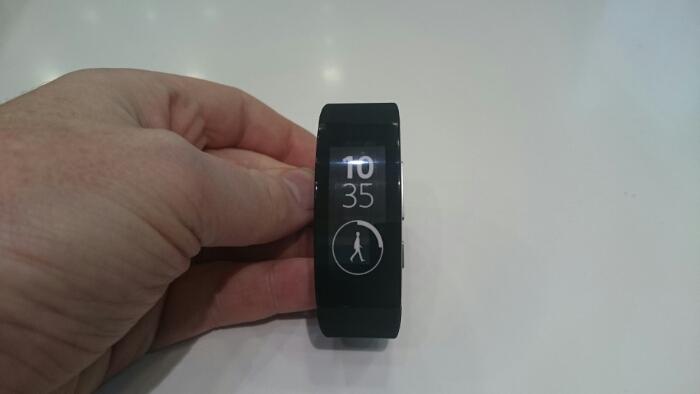Sony Smartband Talk available from O2