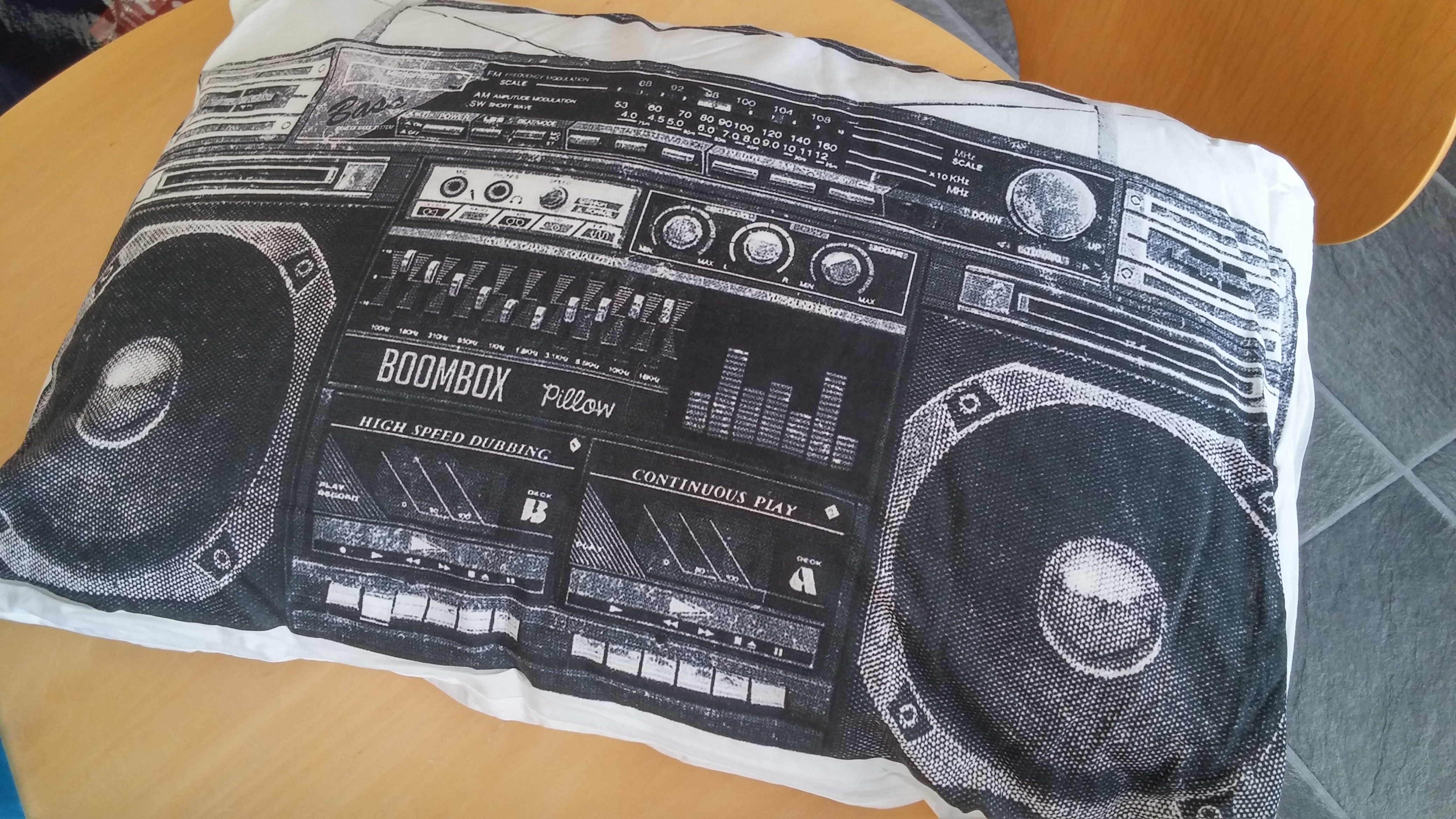 Boombox Imusic Pillow Review Coolsmartphone