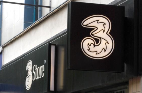 three store1