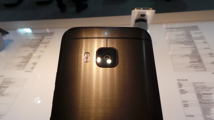 HTC One M9   EE go live with pre orders. Gold exclusive.
