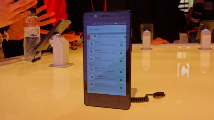 MWC   Ubuntu Hands on With BQ Aquarius and Meizu MX4