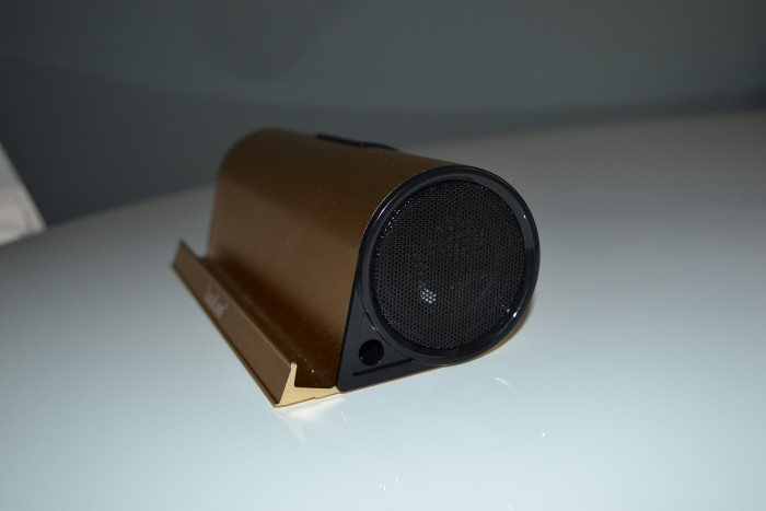 LuguLake II Bluetooth speaker and charge stand   Review