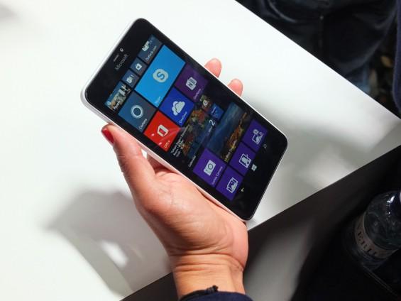 Microsoft Lumia 640 XL pic1