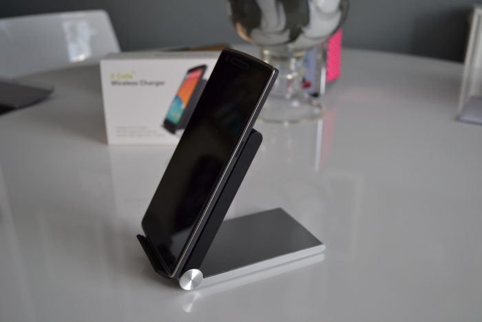 Powerbank with built in Qi wireless charger & other charging options   review.