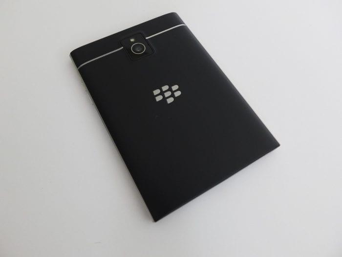 BlackBerry Passport Pic12