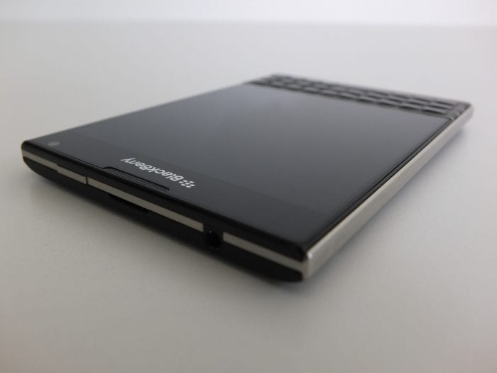 BlackBerry Passport Pic4