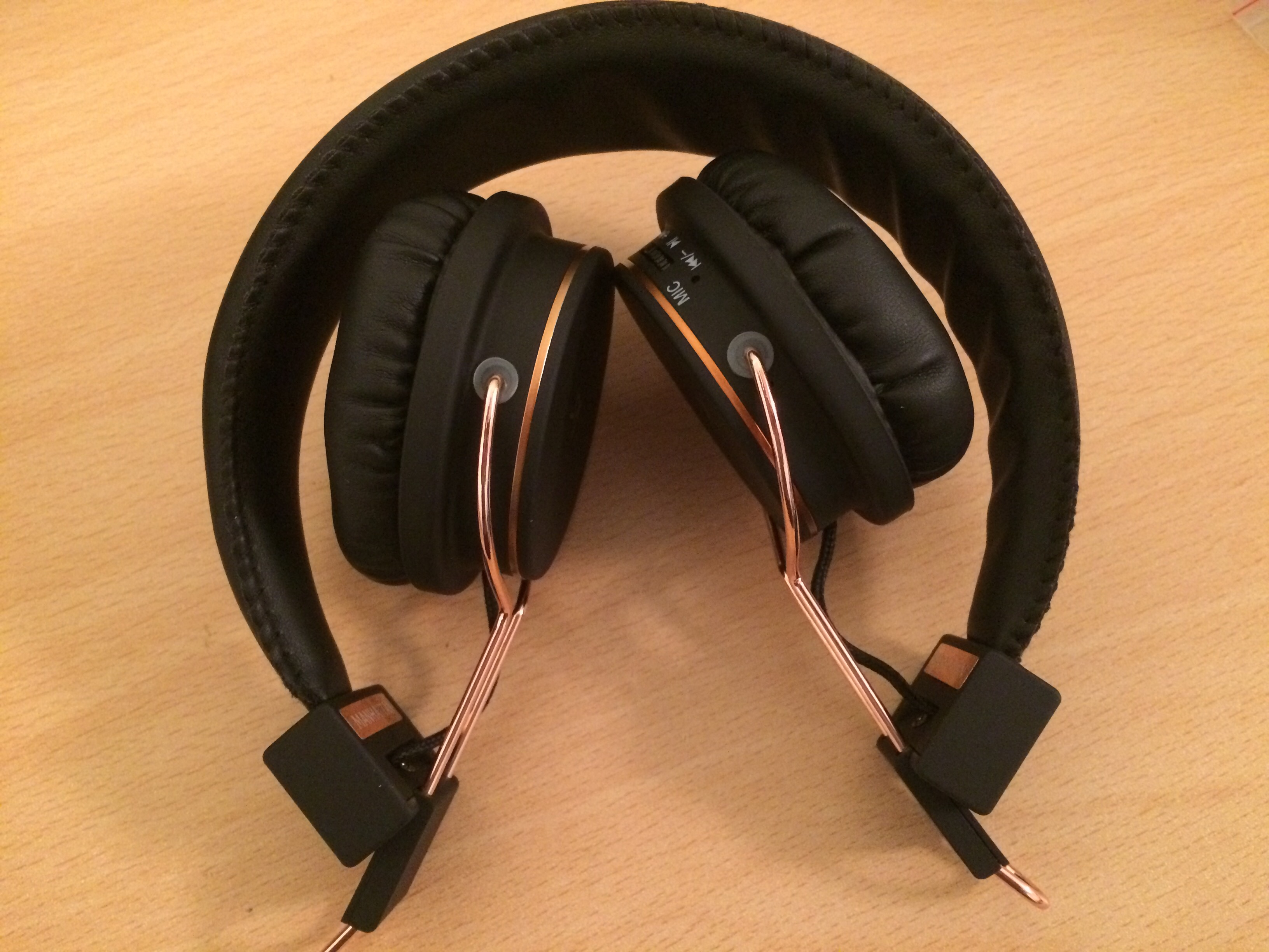4a178a1f0f4f46 Kitsound Harlem Wireless Over Ear Headphones With Microphone - Image ...