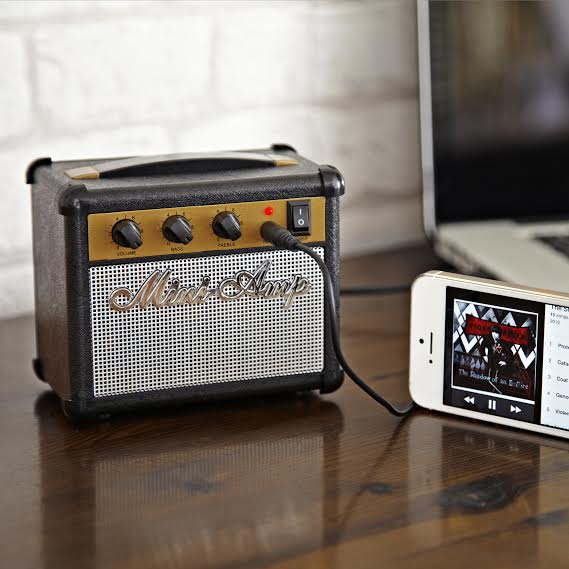 Rock on   Mini amp speaker for your smartphone