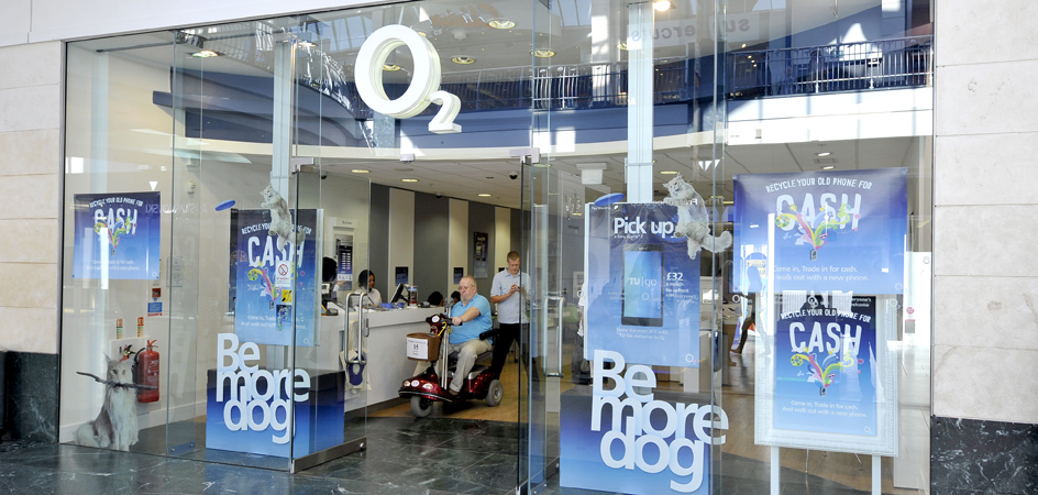 O2 Launches New Concept Store With Customer Experience At